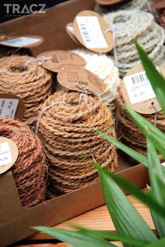 dekoracje świąteczne, naturalny sznurek, pakowanie prezentów