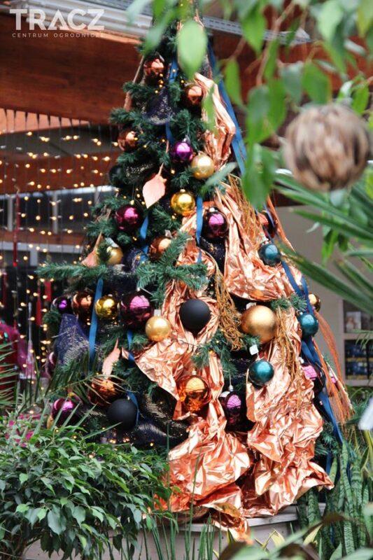 jak ubrać choinkę 2019, nowy trend świąteczny, świąteczna dżungla