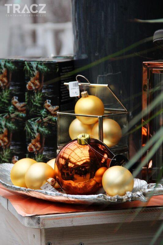 bombki, srebrny liść półmisek, dekoracje świąteczne