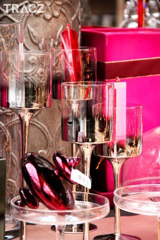 szklane świeczniki, dekoracje bożonarodzeniowe
