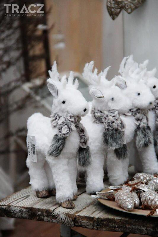 pluszowy renifer, dekoracje bożonarodzeniowe