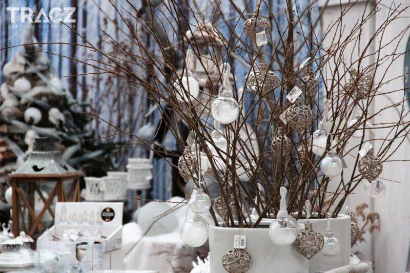 zimowy poranek, zimowy krajobraz, ozdoby bożonarodzeniowe