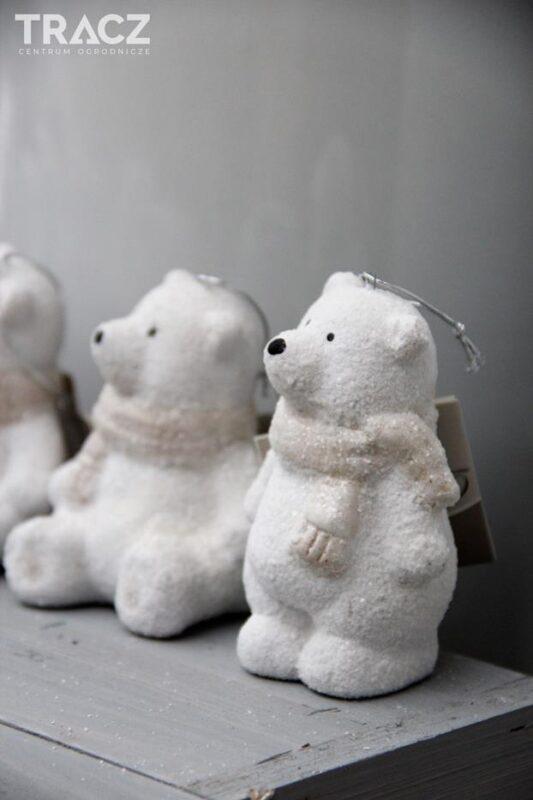 zimowy poranek, figurka miś, dekoracje bożonarodzeniowe